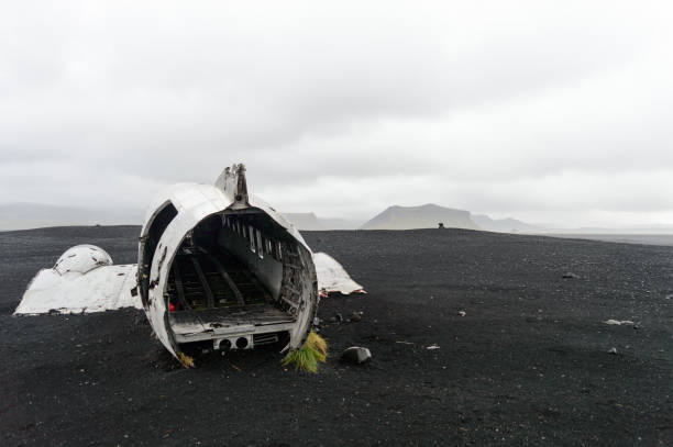 The Solheimasandur Plane Wreck The famous and most photographed plane wreck in Iceland sólheimasandur stock pictures, royalty-free photos & images