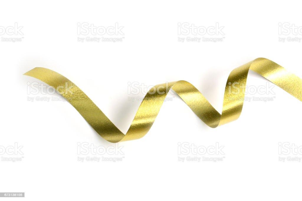 die goldene Spirale Band isoliert auf weißem Hintergrund. – Foto