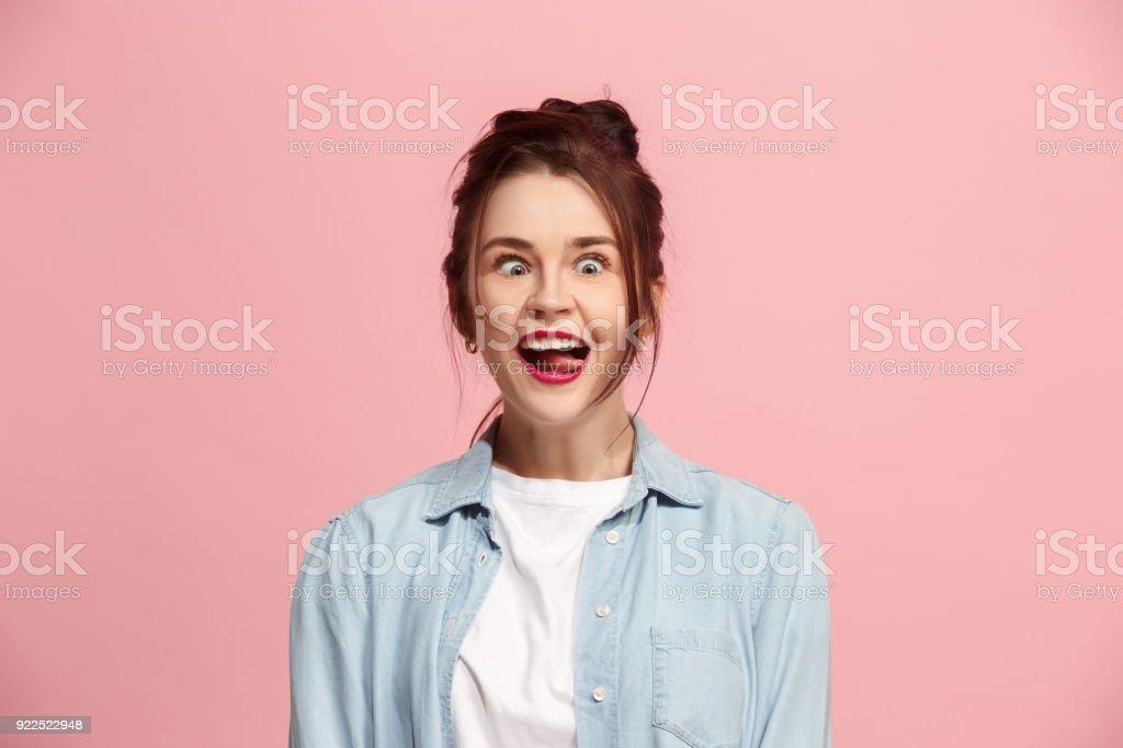 Die Augen Schielen Frau mit seltsamen Ausdruck isoliert auf rosa – Foto