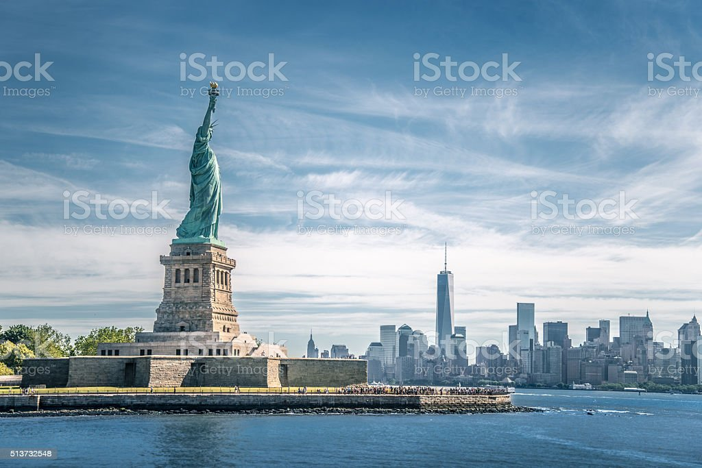The statue of Liberty and Manhattan, New York City stok fotoğrafı