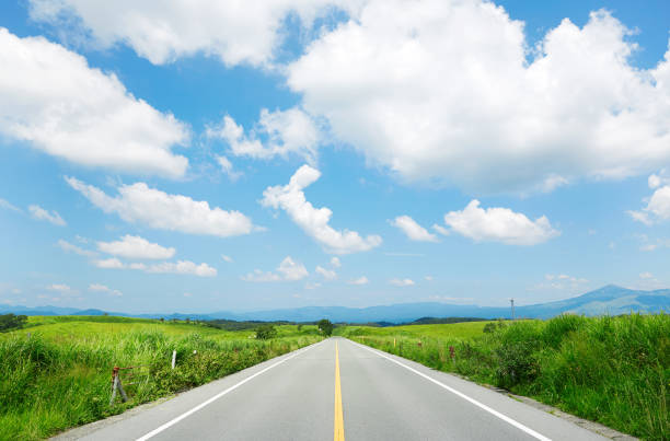 the straight road the straight road horizon over land stock pictures, royalty-free photos & images
