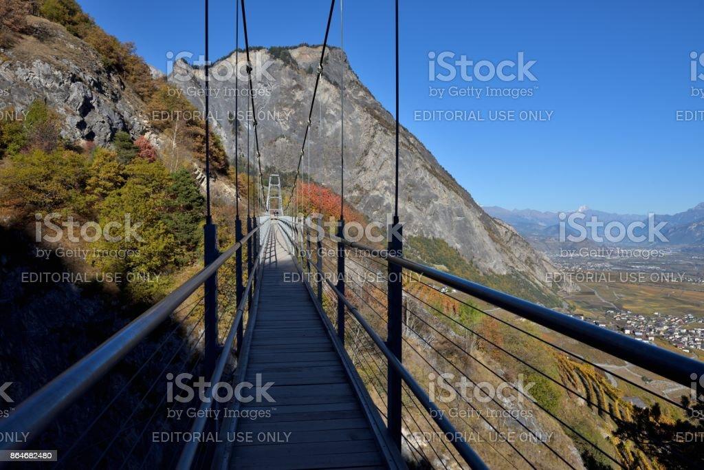 Die Hängebrücke in Wallis, Schweiz – Foto