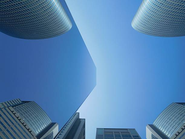 The symmetry of the office building in the mirror – Foto