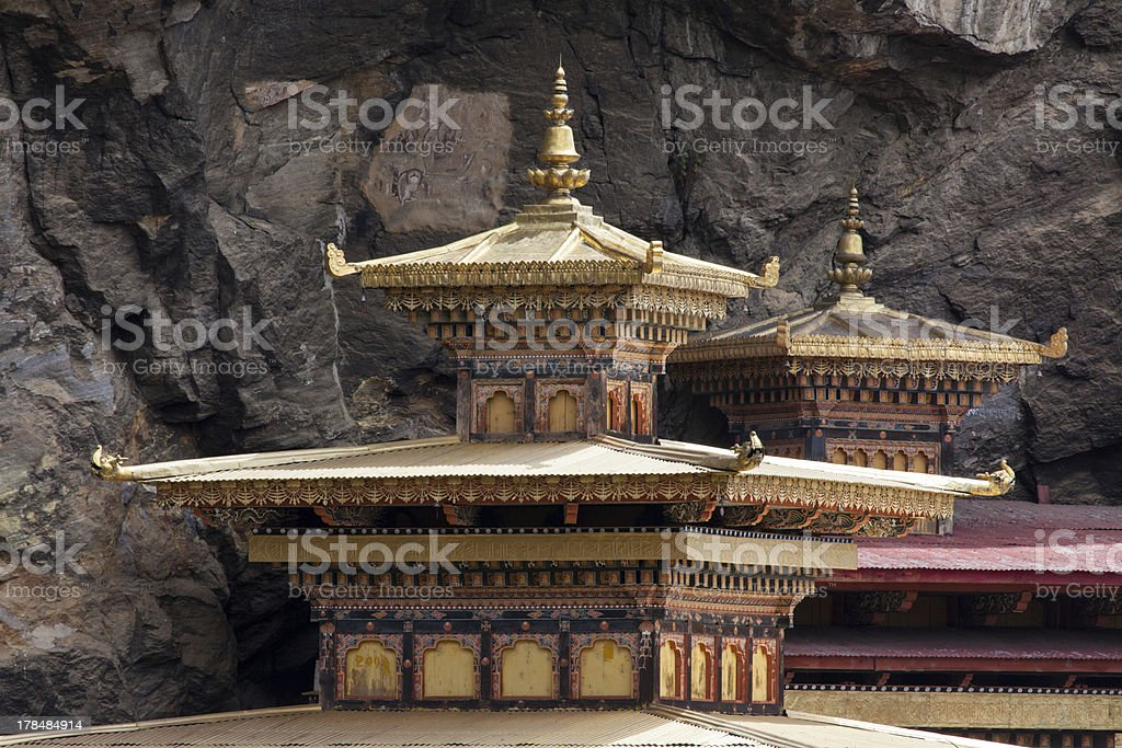 The Taktsang monastery on  cliffside of upper Paro valley foto