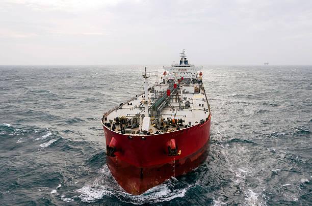 nave cisterna - nave foto e immagini stock
