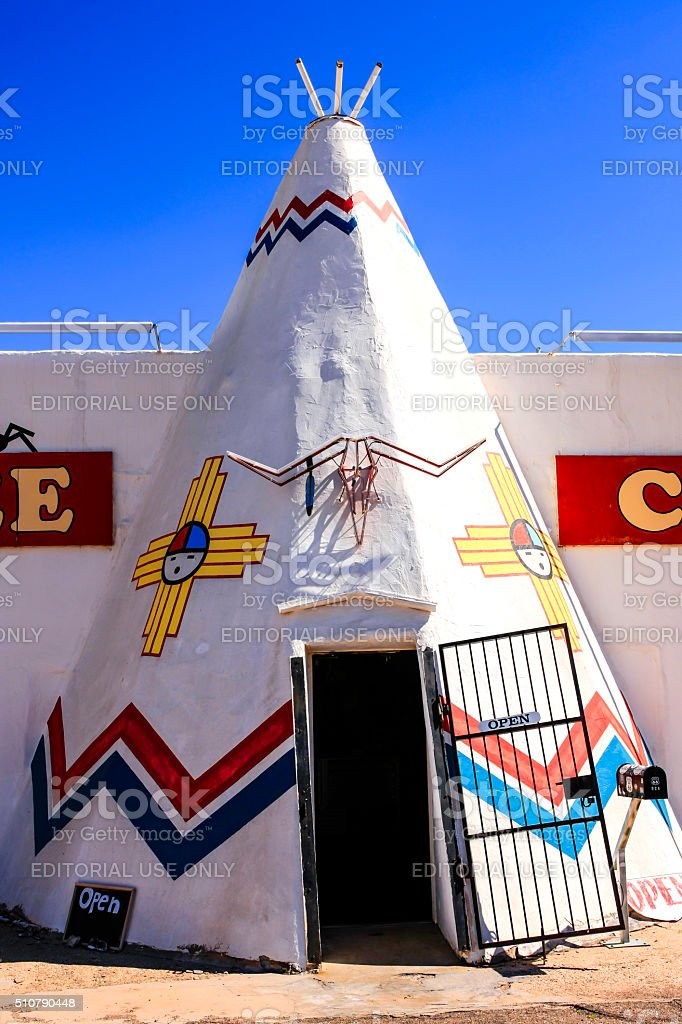 The Tee Pee Curios store in Tucumcari, New Mexico stock photo
