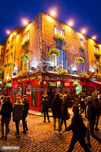 172763398 istock photo The Temple Bar Pub at Temple Bar District in Dublin, Ireland 886891804