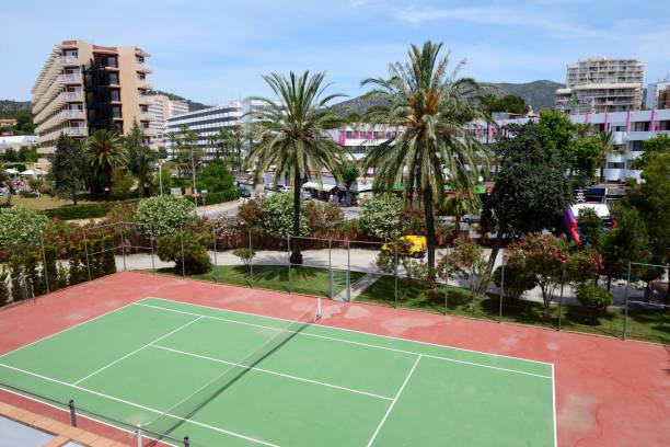 Der Tennisplatz im Hotel – Foto