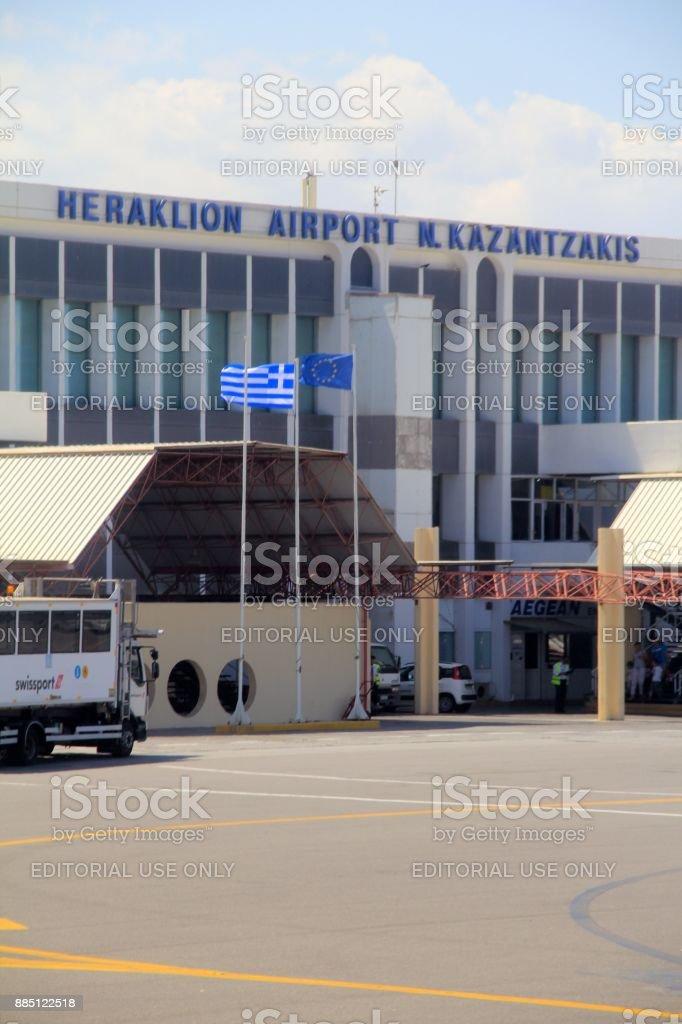 La terminal del aeropuerto de Heraklion - foto de stock