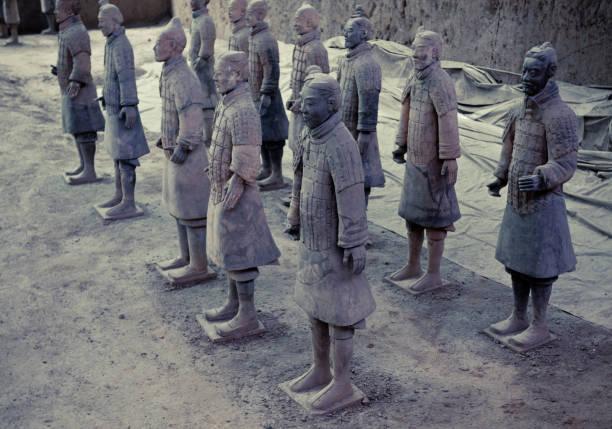 die terrakotta-armee in xi ' an, china - imperialismus stock-fotos und bilder