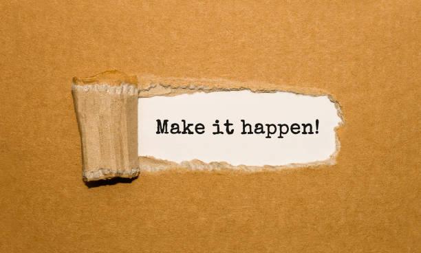 der text machen es möglich erscheinenden hinter zerrissenes papier braun - motivationsfitness zitate stock-fotos und bilder