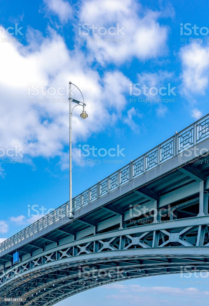 The Theodor-Heuss-Bridge, Bruecke, connects the district Mainz-Kastel of the Hessian state capital Wiesbaden with the Rhineland-Palatinate state capital Mainz. stock photo