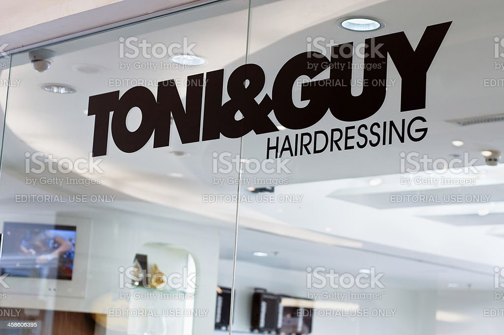 The Toni & Guy Hairdressing Logo bildbanksfoto