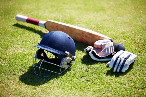 die tools für den schlagmann - cricket stock-fotos und bilder