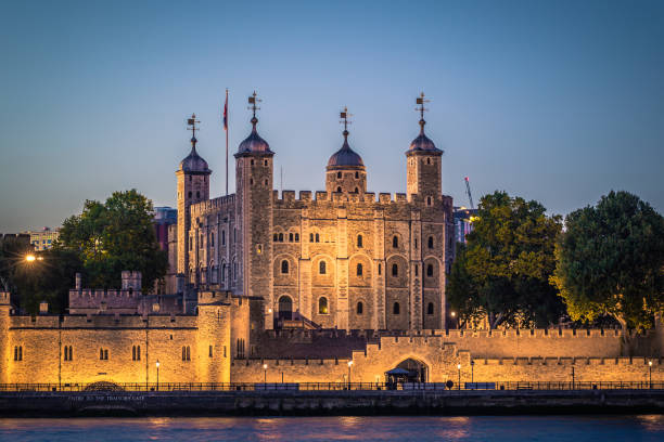 London - 5. August 2018: The Tower of London von der Themse in London, England – Foto