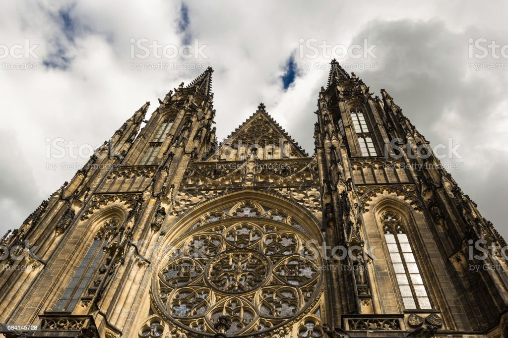 The towers of the Cathedral of Sts. Vitus Prague foto stock royalty-free