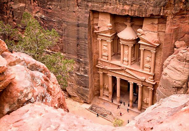 le trésor public. ville antique de petra, jordanie - jordan photos et images de collection