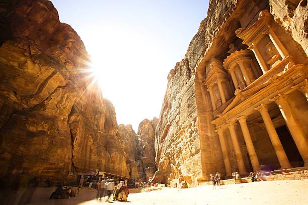 la trésorerie khazneh (alabama), ville antique de petra, jordanie - jordan photos et images de collection