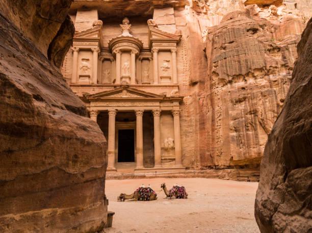 le trésor public (kasneh)-petra, jordanie - jordan photos et images de collection