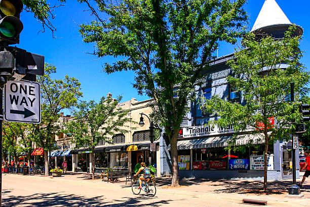 The Triangle Market on State Street in downtown Madison Wisconsin Madison, WI, USA - July 29, 2015: The Triangle Market on State Street in downtown Madison Wisconsin madison wisconsin stock pictures, royalty-free photos & images