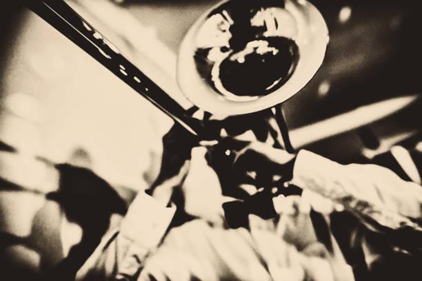 trombone oyuncu - caz stok fotoğraflar ve resimler