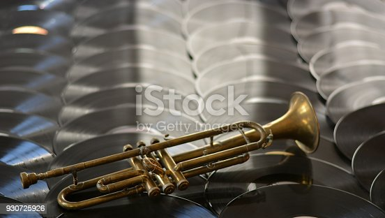 istock The trumpet above the jazz records 930725926