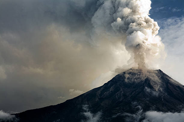 The Tungurahua volcano eruption  volcano stock pictures, royalty-free photos & images