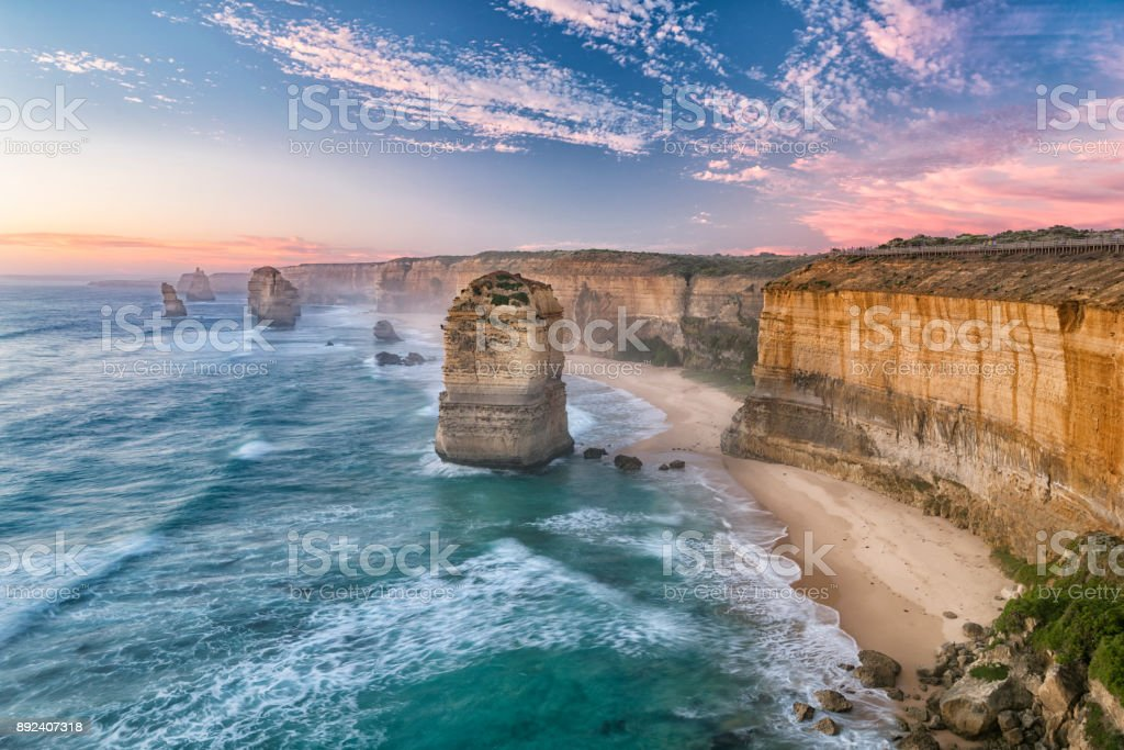 The Twelve Apostles-Bergkette, die Great Ocean Road, Victoria, Australien – Foto