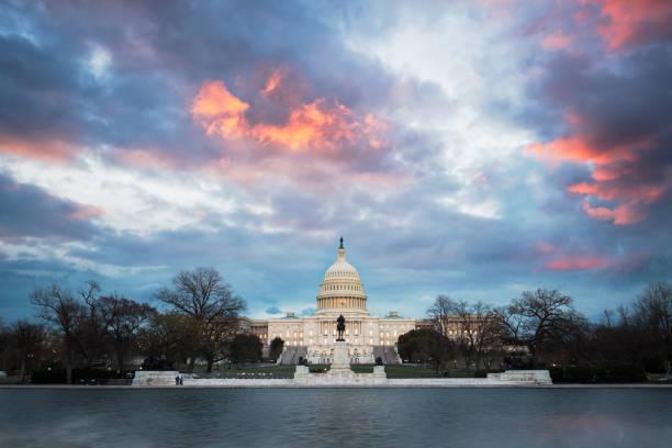 the united states capitol,washington, d.c. - демократия стоковые фото и изображения
