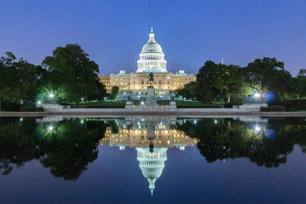 the united statues capitol building. - выборы президента стоковые фото и изображения