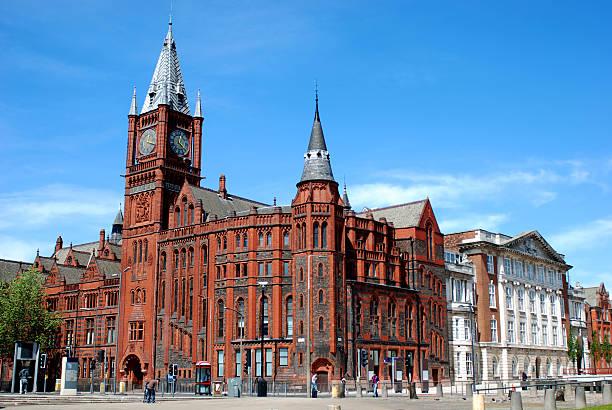 l'université de liverpool victoria building - liverpool angleterre photos et images de collection