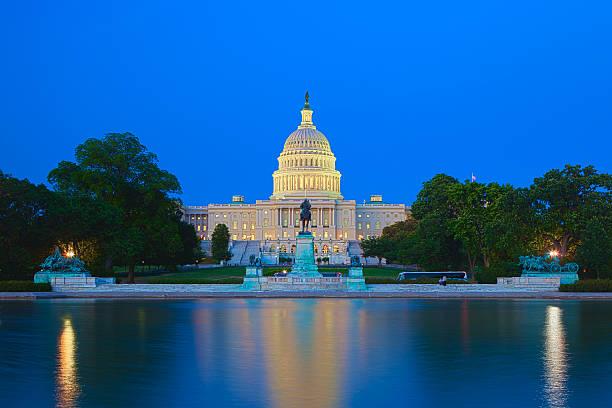 the us capitol building in washington dc - ulusal miras stok fotoğraflar ve resimler