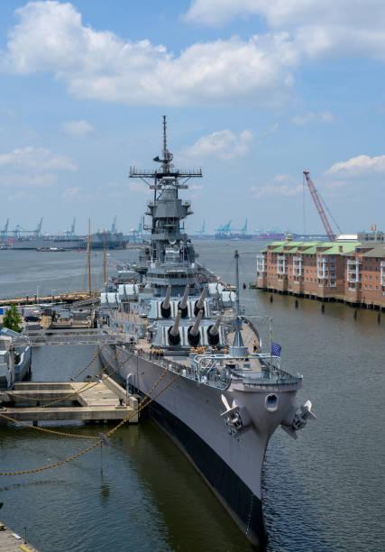 Die USS Wisconsin liegt in Norfolk – Foto