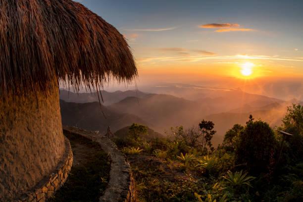 サンタ マルタのシエラ ・ ネバダからのビュー - コロンビア ストックフォトと画像