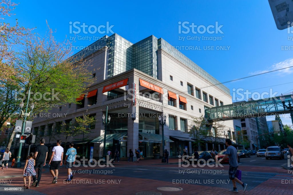b77fcd7067a3 The View Of Pioneer Place Shopping Mall In Downtown Portland Stock ...