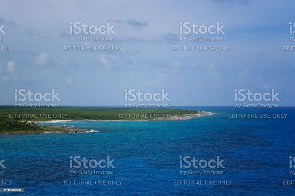 Roatan, Honduras denizlerin Liberty'den şeridinin görünüm gemisi. royalty-free stock photo