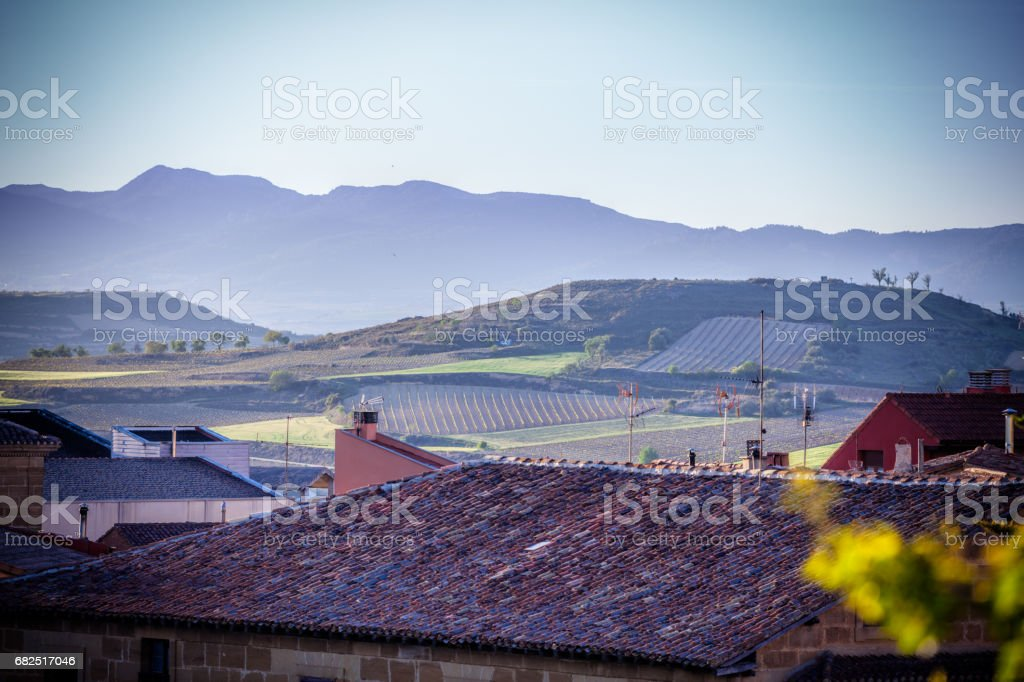 The village of Briones and fields. La Rioja, Spain foto de stock royalty-free