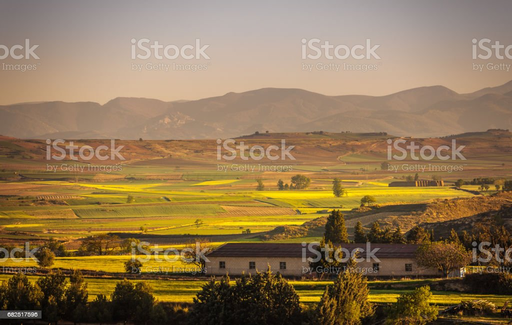 The village of Briones and fields. La Rioja, Spain foto stock royalty-free