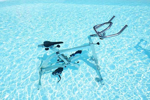 Das Wasser Fahrrad im Schwimmbad, Korfu, Griechenland – Foto