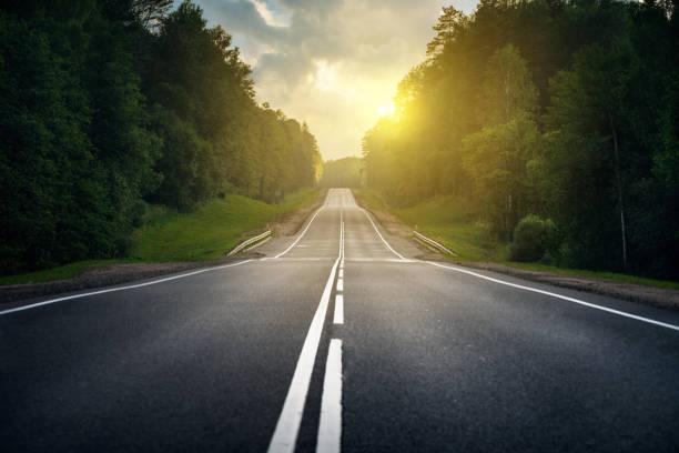 앞으로 나아가는 길 - 도로 뉴스 사진 이미지