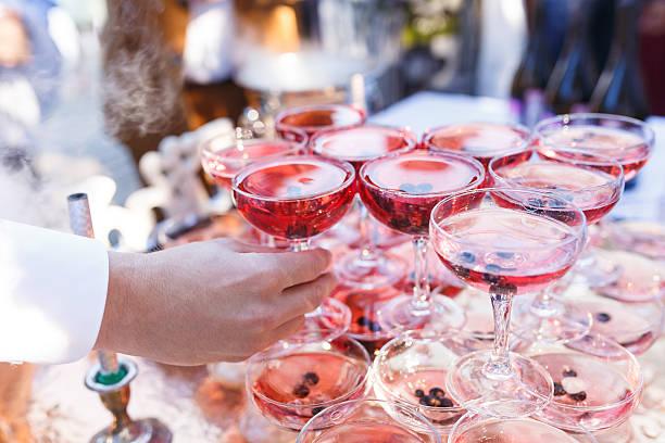 the wedding banquet - hochzeits thema hollywood stock-fotos und bilder