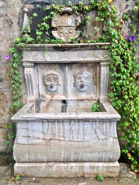 the wells of granada - the spouting men - mcdermp stock pictures, royalty-free photos & images