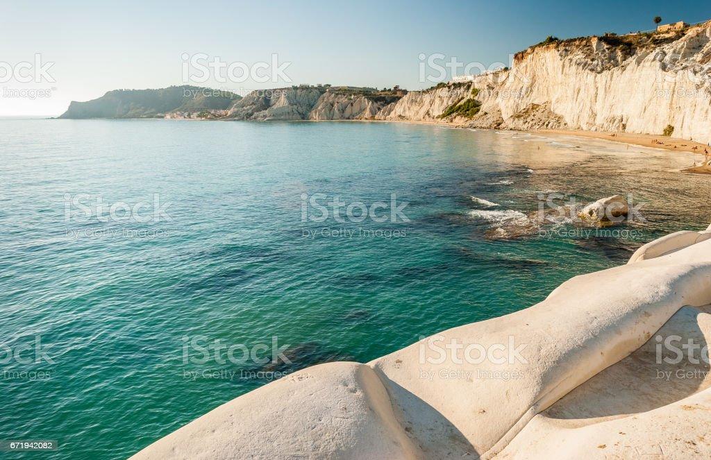 The white cliff called 'Scala dei Turchi' in Sicily, near Agrigento - foto stock
