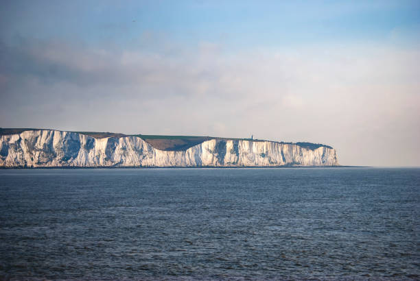 the white cliffs of dover in kent, england - english channel stock pictures, royalty-free photos & images