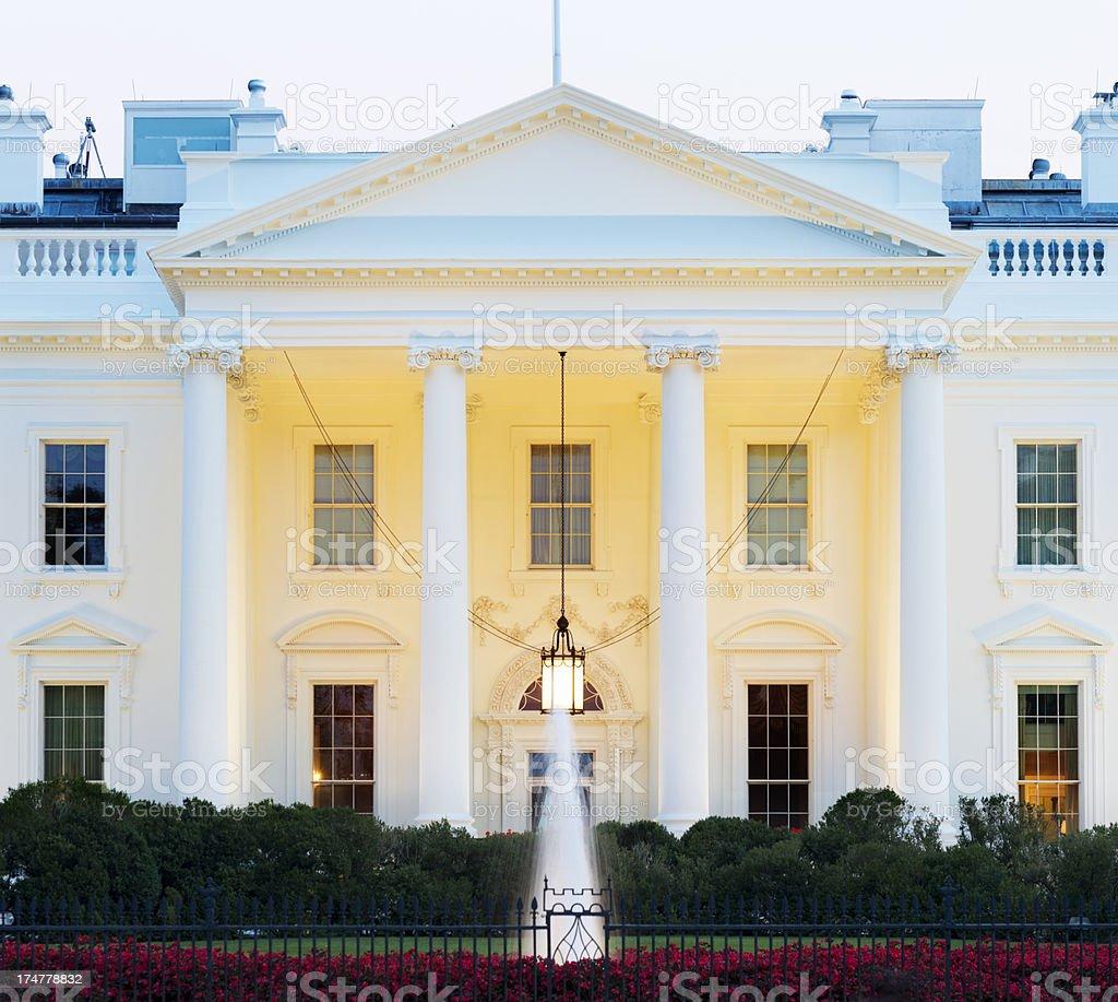 Das Weiße Haus Bei Nacht