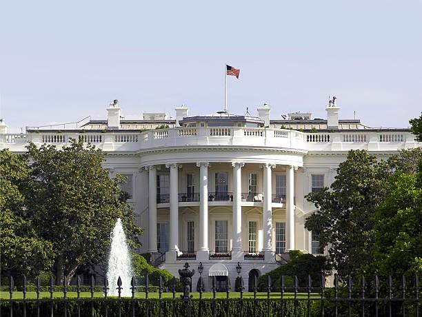 белый дом в вашингтоне, округ колумбия - президент стоковые фото и изображения