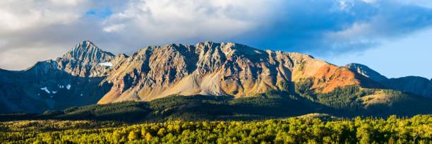 die wilson-reihe von den san juan mountains in colorado - own wilson stock-fotos und bilder