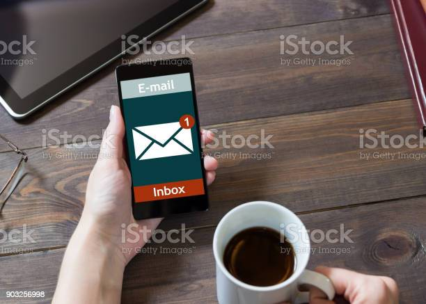 The woman received an email online on a mobile message online icon picture id903256998?b=1&k=6&m=903256998&s=612x612&h=0d smf4wjoy5bbbitl1p1 w6vracnp9ugpv8eugv 0q=