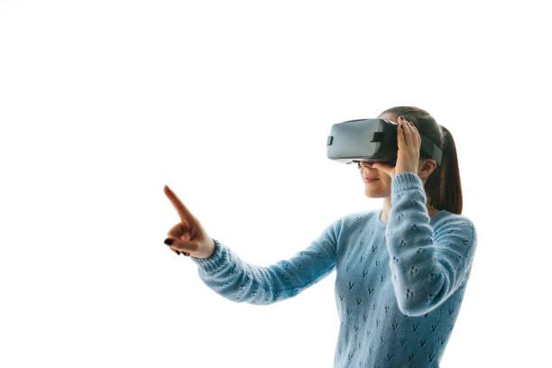 Die Frau mit VR-Brille – Foto