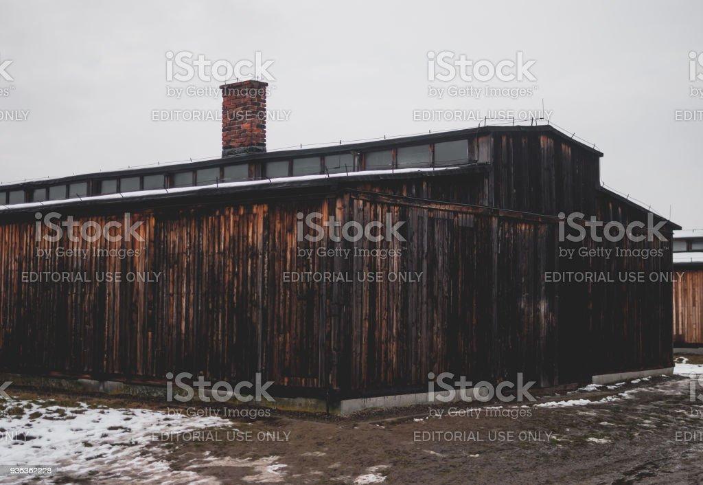 Die Holzhütte im KZ Auschwitz-Birkenau. – Foto